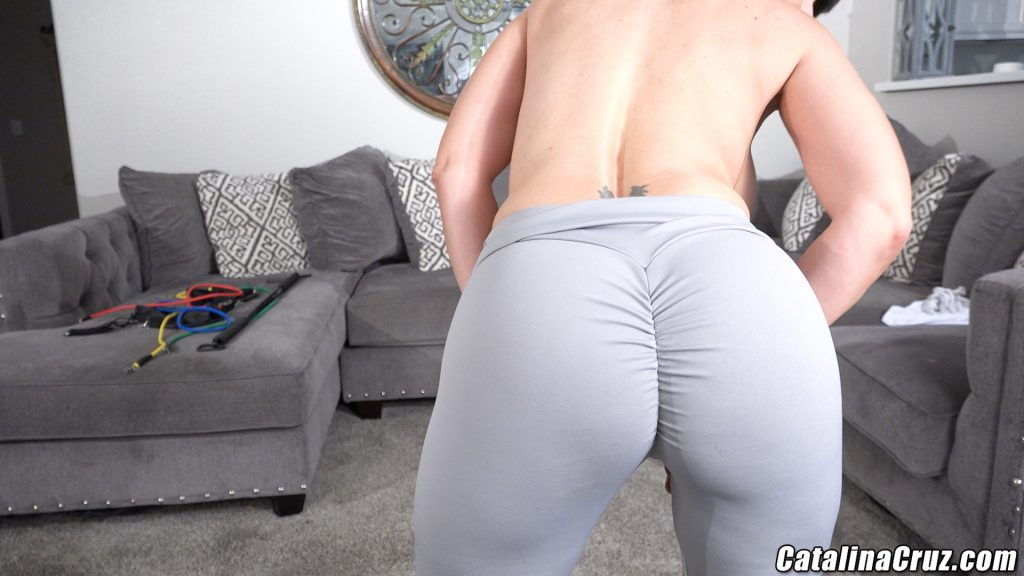 Catalina Cruz yoga