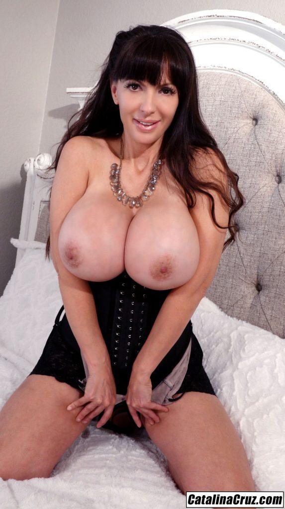 Catalina Cruz I love wearing corsets, pretty bras and jewelry