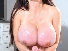 Catalina Cruz huge boobs handjob