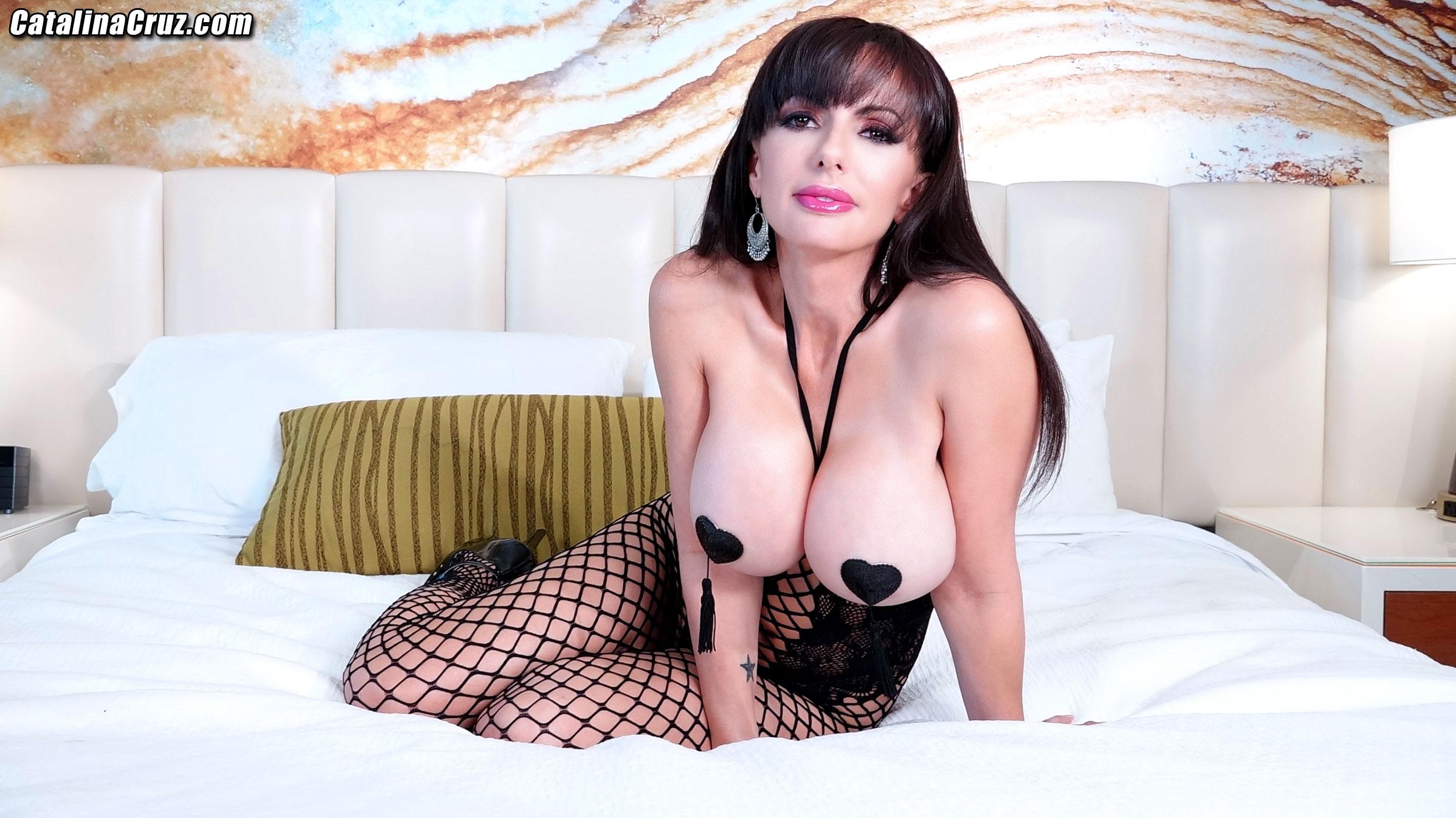 Short Hair Big Tits Webcam
